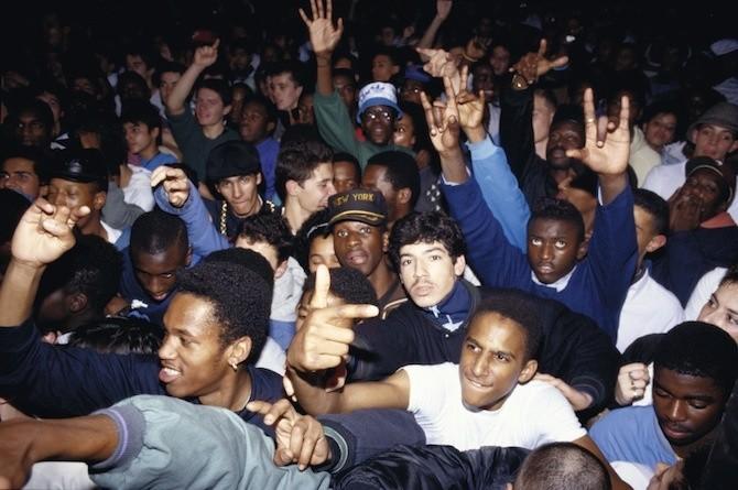 mouvement-est-toujours-le-seul-livre-que-vous-devez-acheter-sur-les-debuts-du-hip-hop-en-france-1413237421144