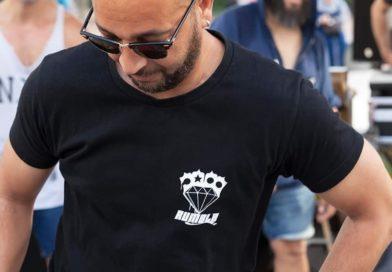 RIP Karim Barouche (1972-2019) : La communauté Hip Hop pleure la disparition d'un b-boy légendaire âgé de 47 ans.